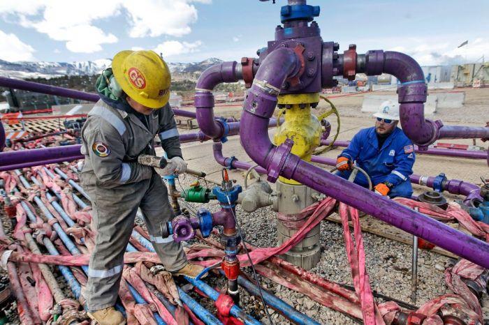 fracking-broomfield_73213_990x742